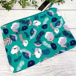 NEW Blue Floral Padded Laptop Tablet Pouch🌿